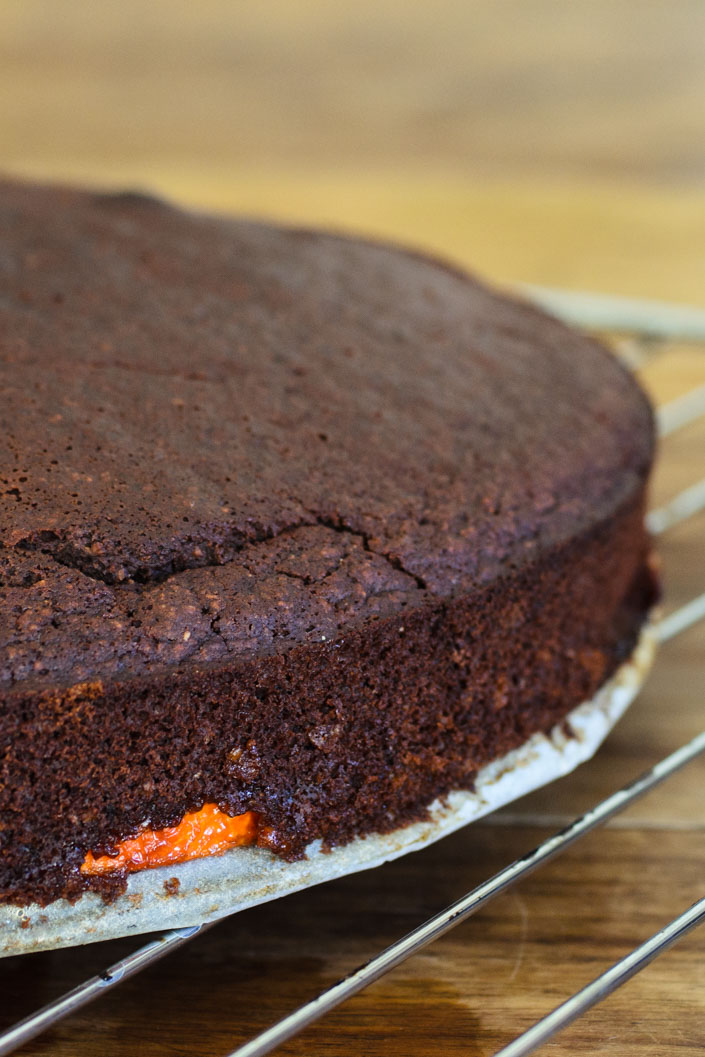 Orange and chocolate upside-down cake {vegan}