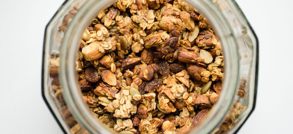 Applesauce granola {vegan + sugar free + oil free}