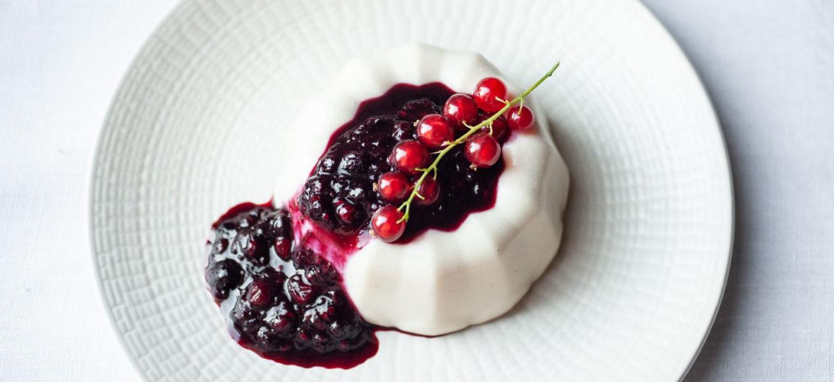 Panna cotta with berry sauce {vegan + gluten free}