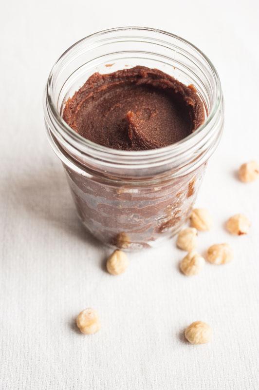 Chestnut flour crêpes + hazelnut cacao spread {vegan} - Marta's Plants