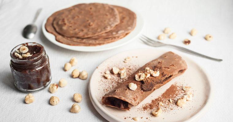 Crêpes di farina di castagne con crema di nocciole e cacao {vegan + senza glutine}