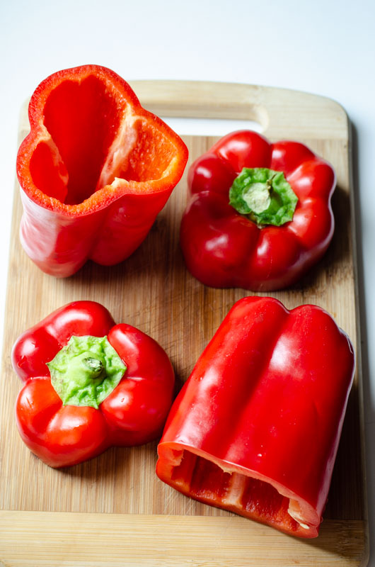 Peppers stuffed with sweet-spiced maftoul (Palestinian/giant cous cous) {vegan} - Marta's Plants