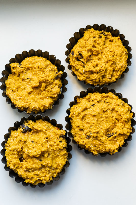 Mini pumpkin cakes w/ chocolate chips {vegan} - Marta's Plants