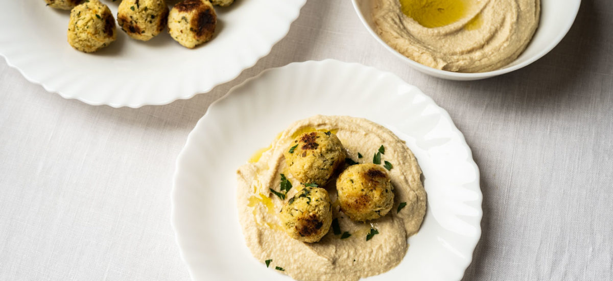 """Cauliflower """"meatballs"""" on hummus {vegan + gluten free}"""
