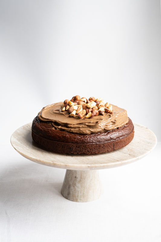 Chocolate hazelnut cake w/ chocolate ganache {vegan} - Marta's Plants