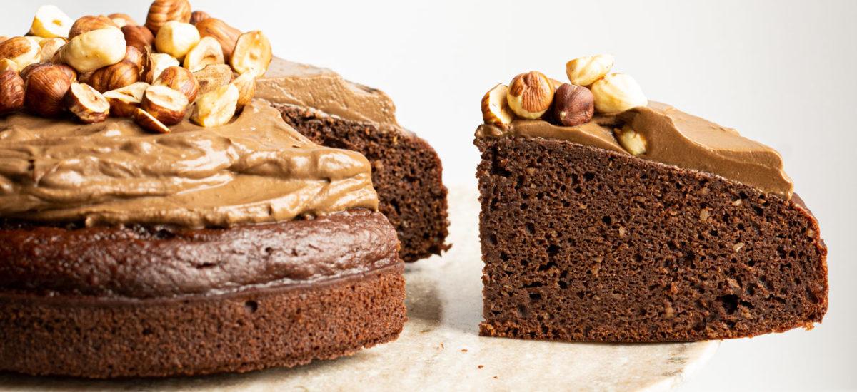 Torta cioccolato e nocciole con ganache al cioccolato {vegan}