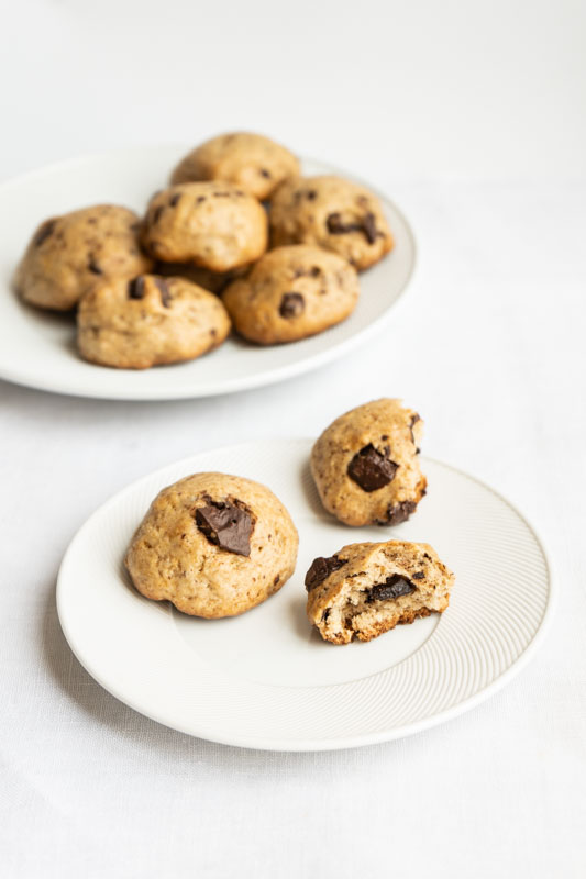 Soft chocolate chip cookies {vegan} - Marta's Plants