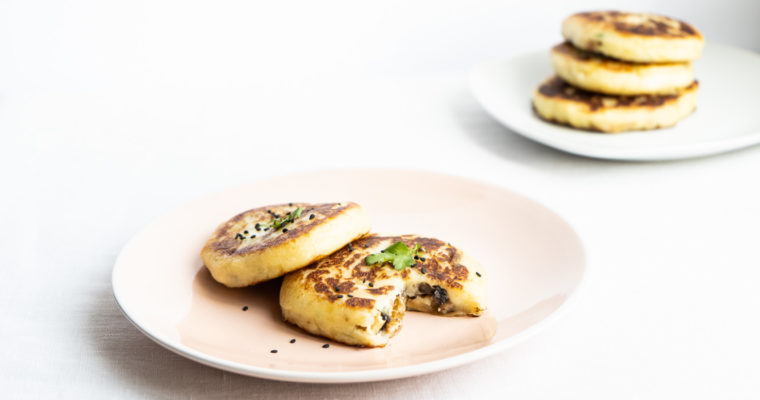 Potato pancakes with a tofu-mushroom filling {vegan}