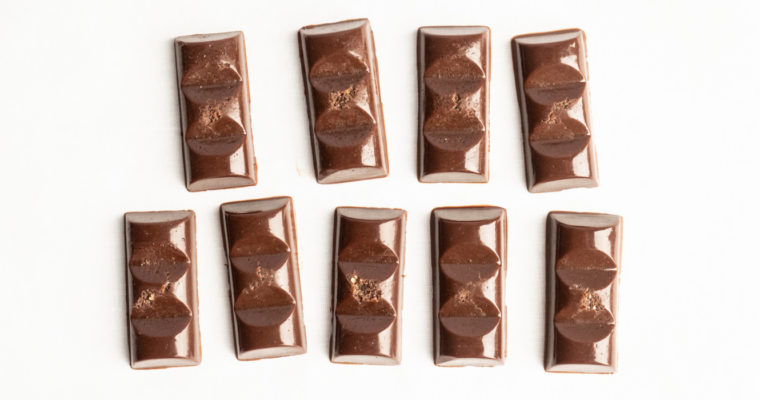Cioccolatini crudisti cremosi al caramello salato {vegan + senza glutine}