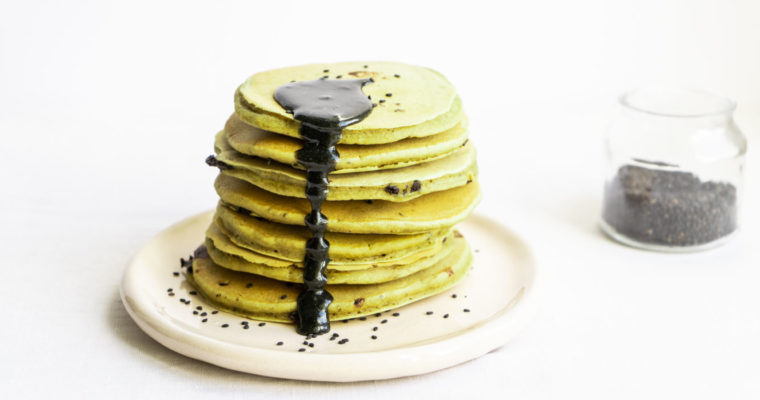 Matcha pancakes w/ black sesame drizzle {vegan}