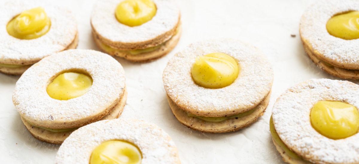 Cookies filled with a lemon & ginger custard {vegan}